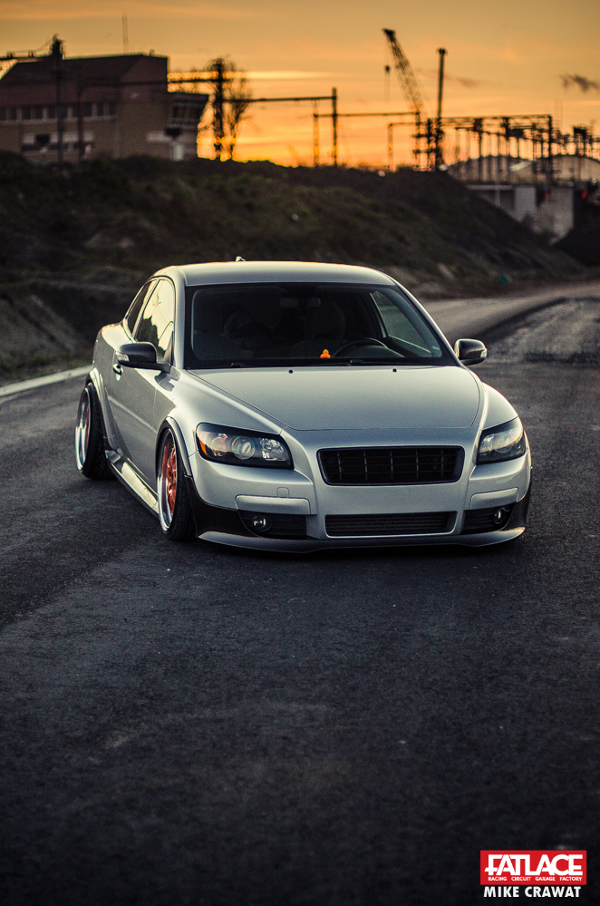 Volvo C30 on Air Lift Performance – Fatlace™ Since 1999