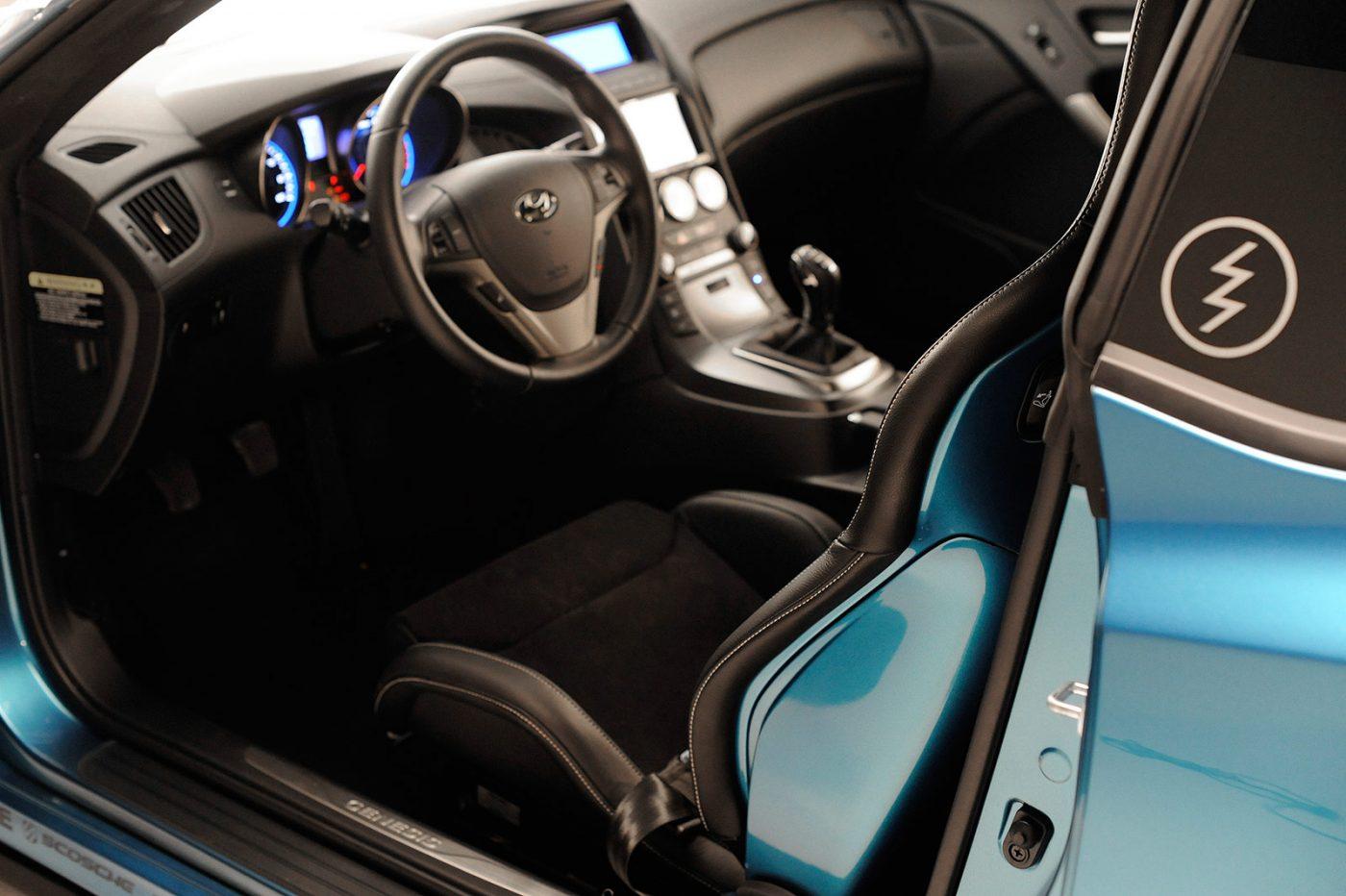 JP-Edition-Hyundai-Genesis-Painted-Recaro