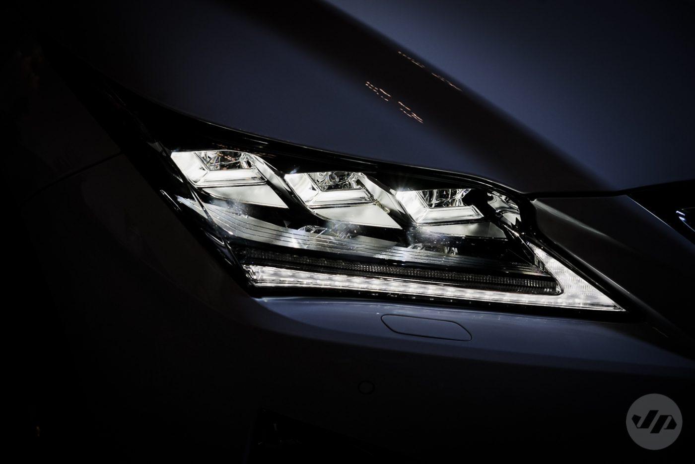 2016-Lexus-RX450-JP1