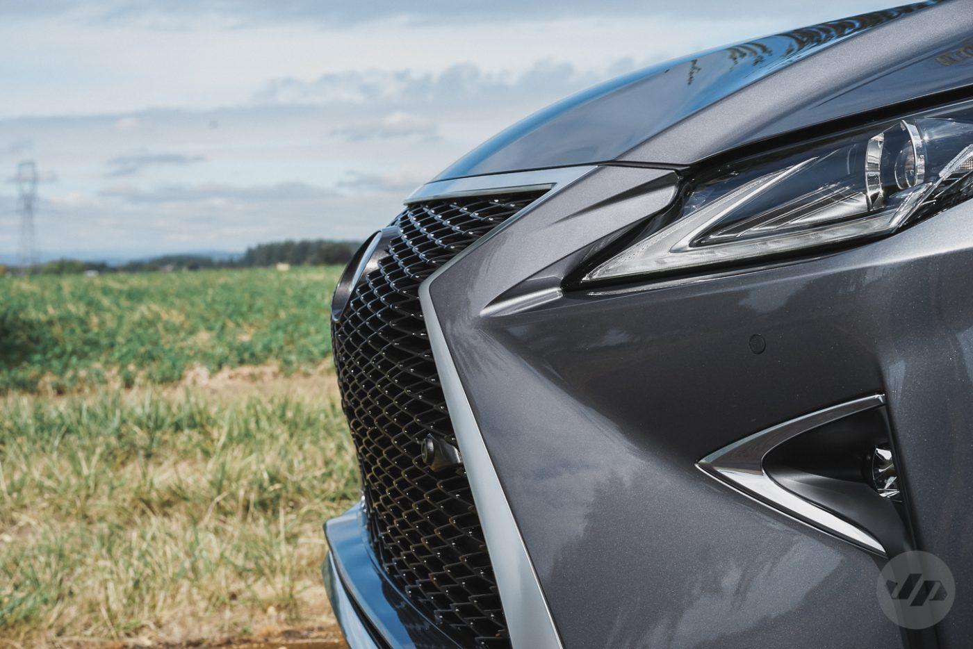 2016-Lexus-RX450-JP10