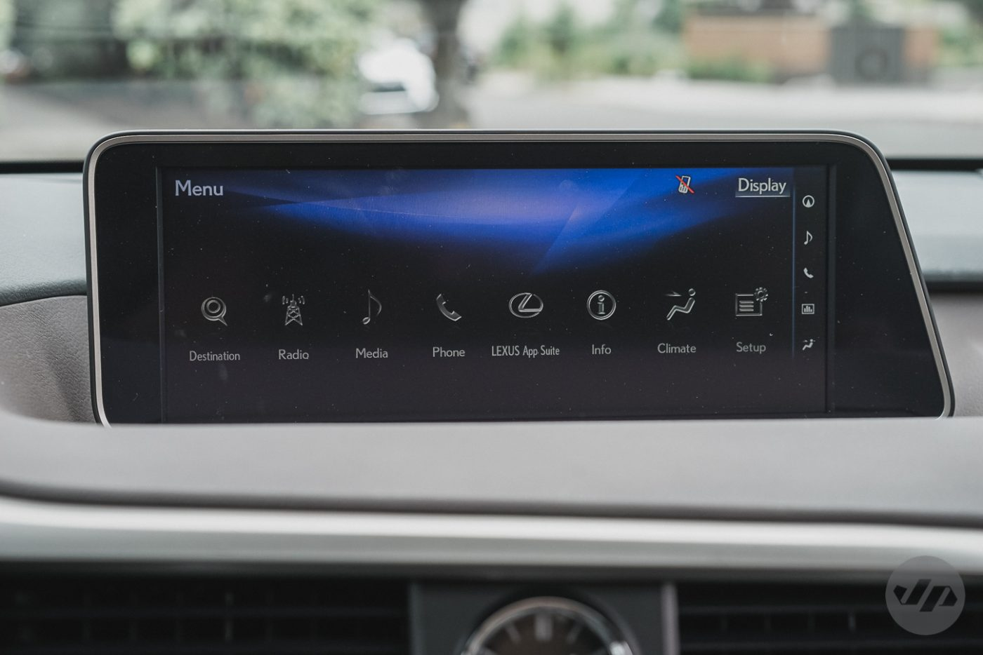 2016-Lexus-RX450-JP17
