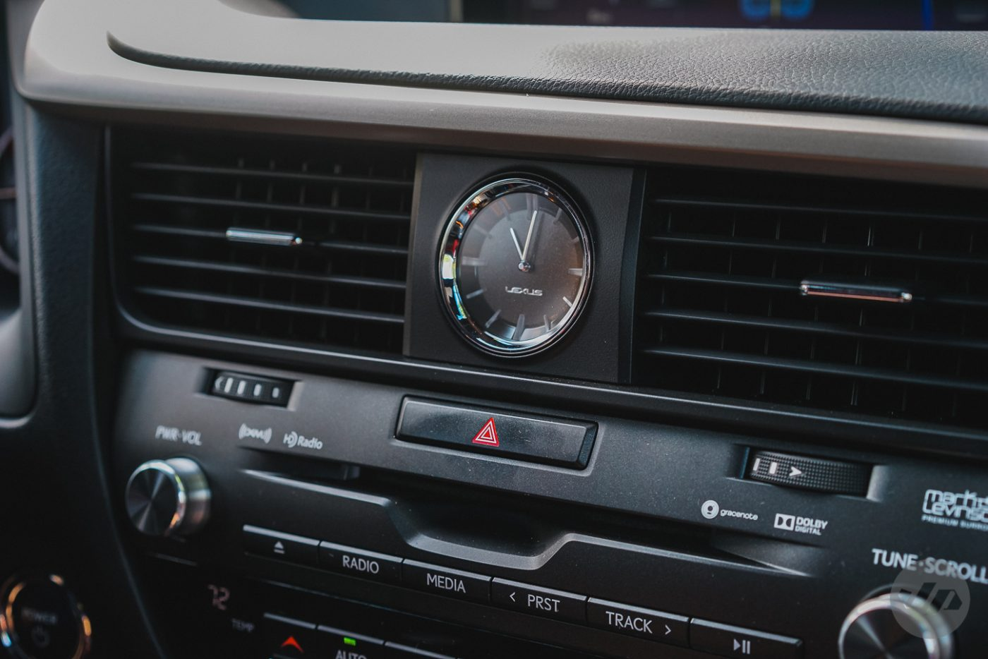2016-Lexus-RX450-JP2