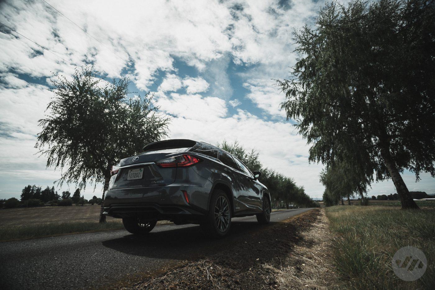 2016-Lexus-RX450-JP21