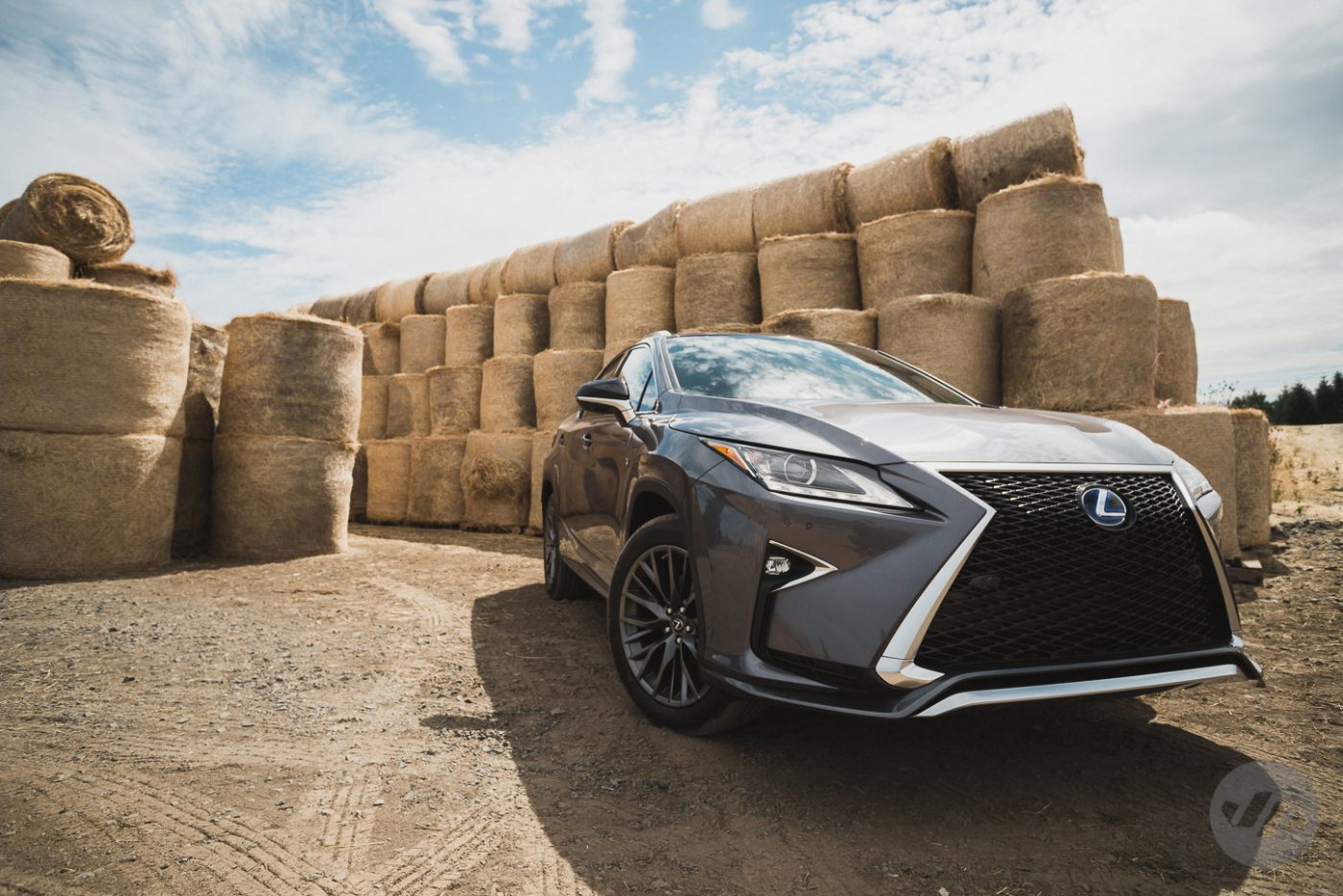 2016-Lexus-RX450-JP23