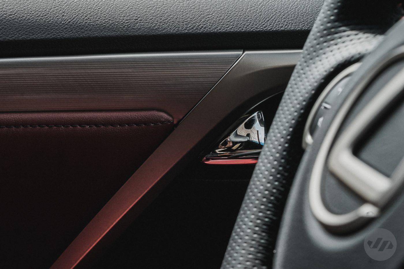 2016-Lexus-RX450-JP25
