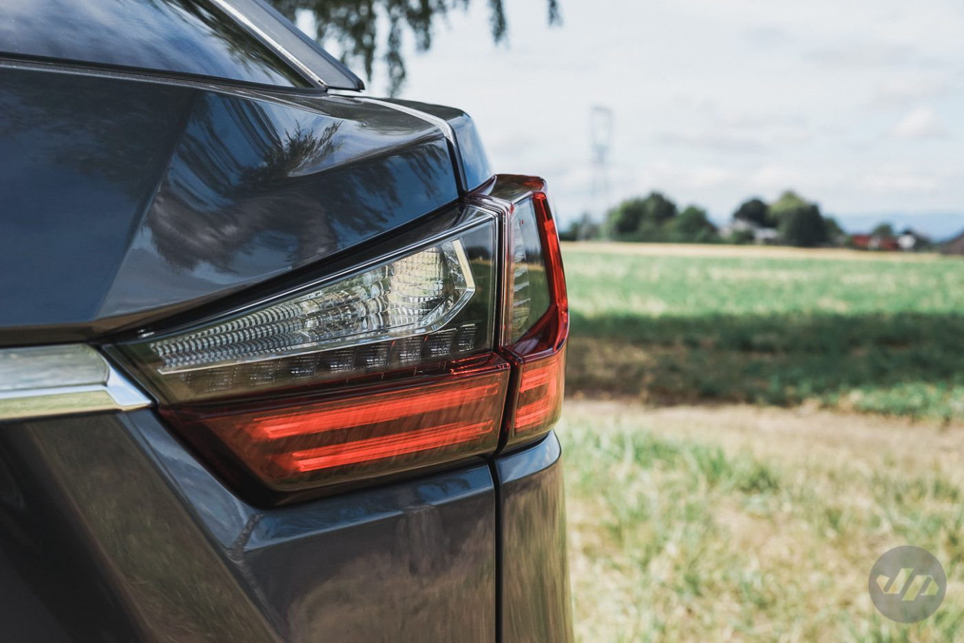2016-Lexus-RX450-JP8