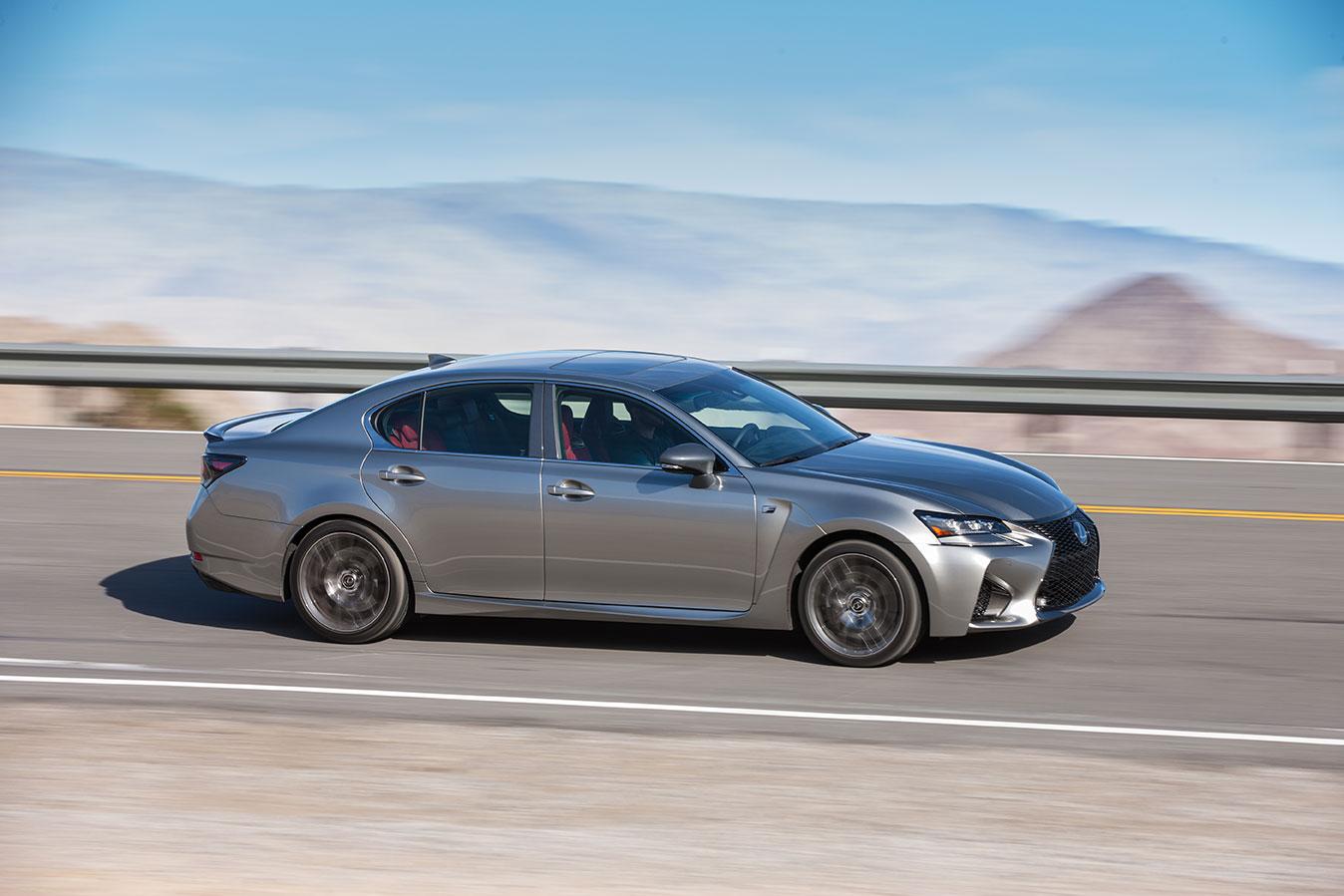 2016_Lexus_GS-F_11