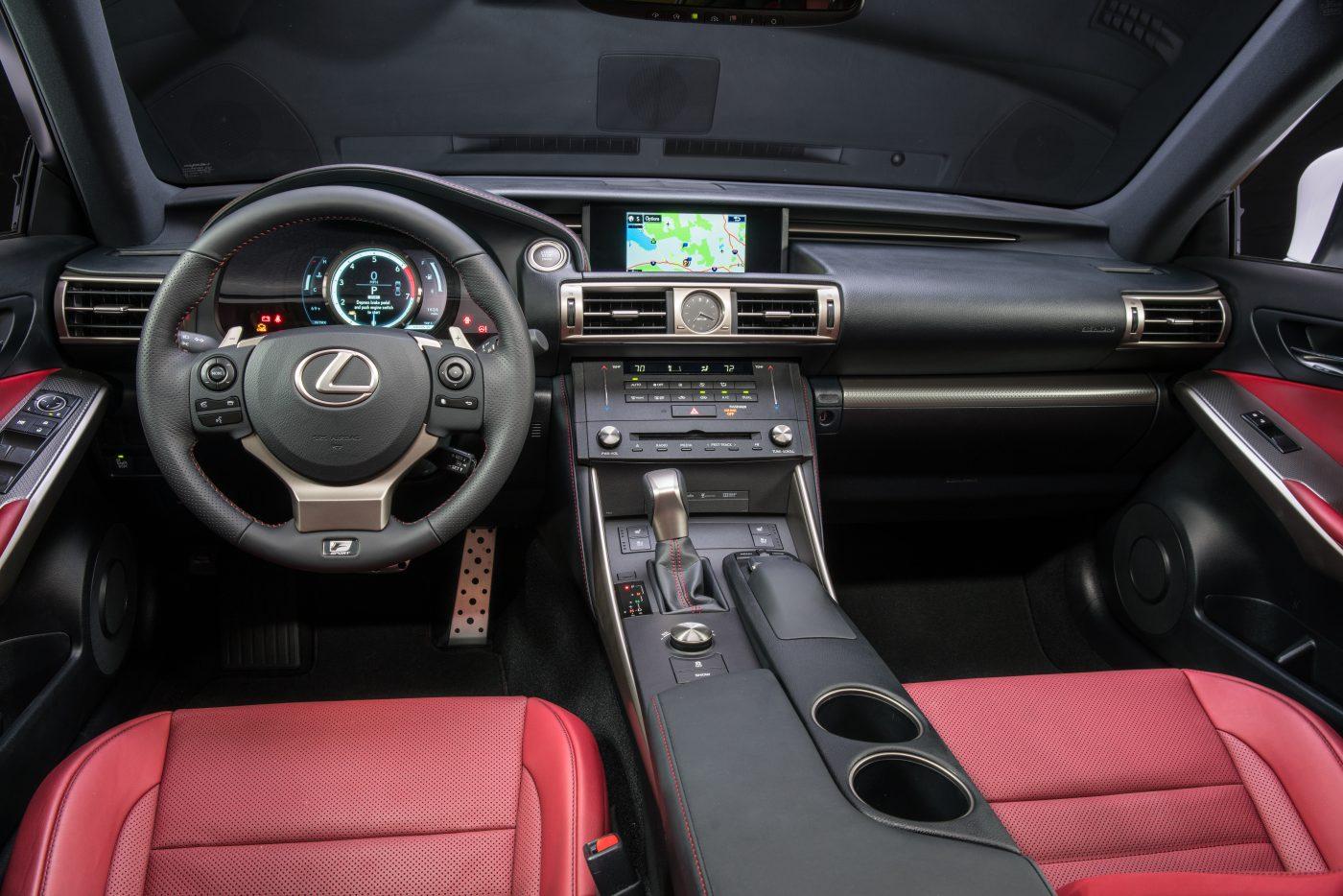 2016_Lexus_GS_F_60