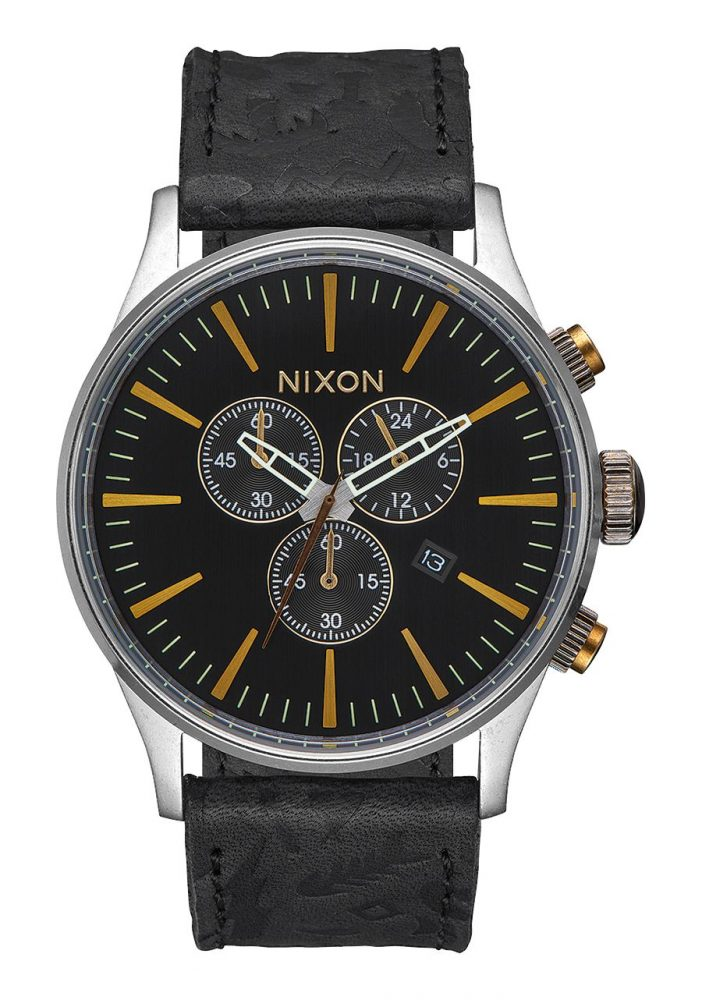 Nixon_SentryChronoLeather42mm_BlackBrass