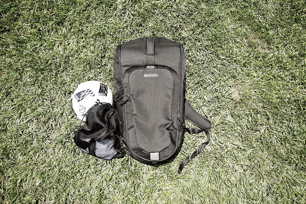 LE_SportFieldBag_grass