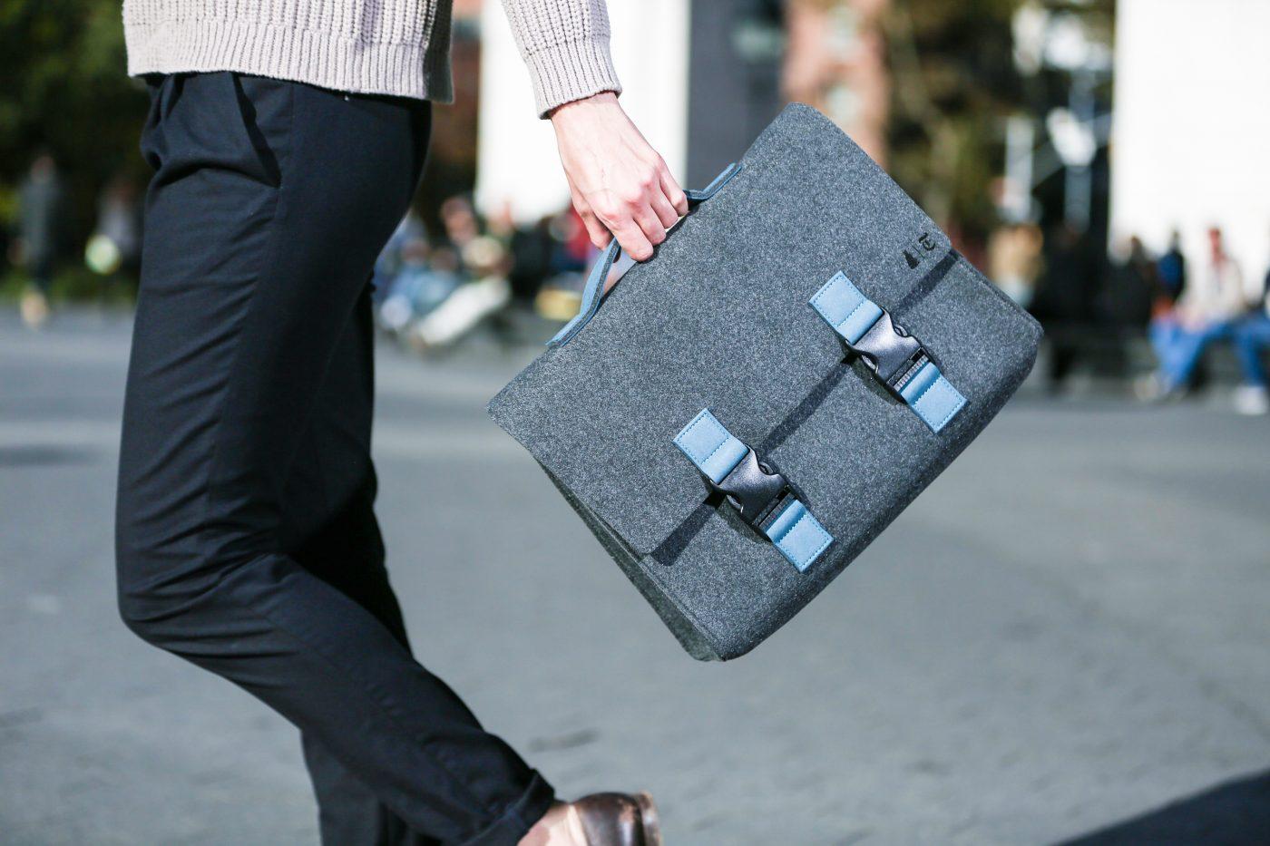 534441n_greenwich-briefcase_charcoalgrey-lakeblue_4