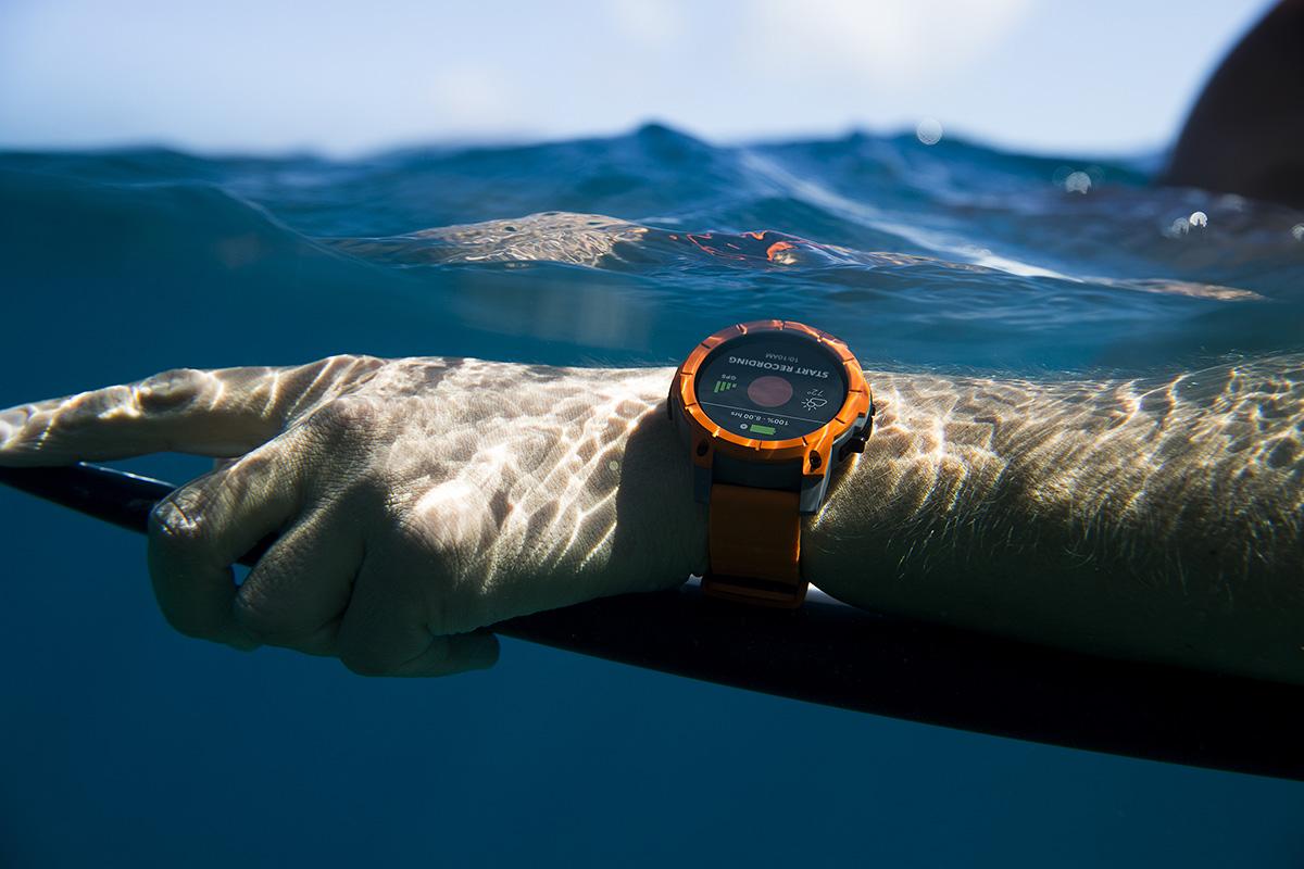 nixon-the-mission-surf-tahiti-3