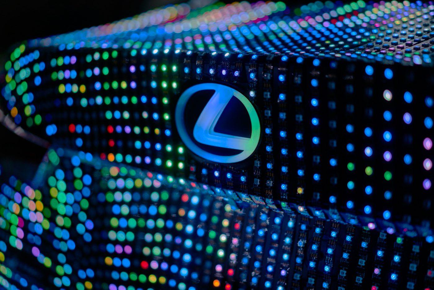 lexus_lit_is_04_08a8b2c7b51f4487eeecce3631a09b0997611e5b